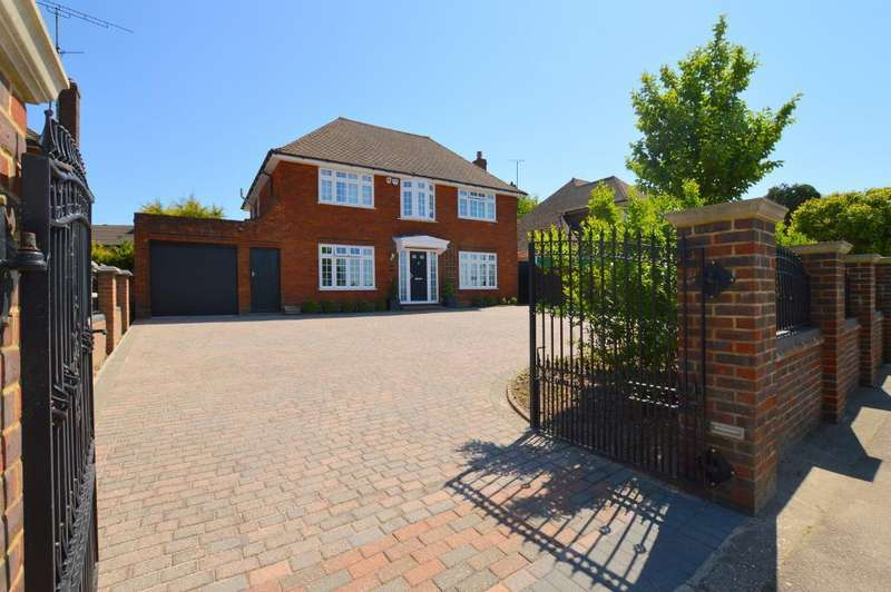 4 Bedrooms Detached House for sale in Old Bedford Road, Luton, LU2 7BS