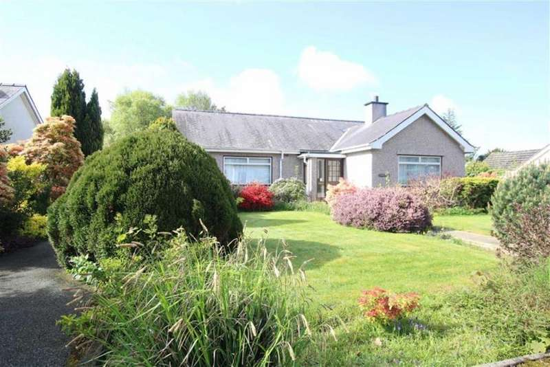 4 Bedrooms Detached Bungalow for sale in Lon Tudur, Llangefni, Anglesey, LL77