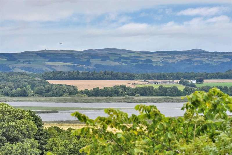 2 Bedrooms Flat for sale in Sweerie, Newburgh, Fife