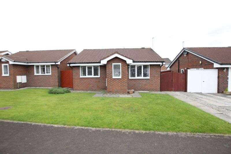 2 Bedrooms Property for sale in Copeland Close, Pensby, Wirral