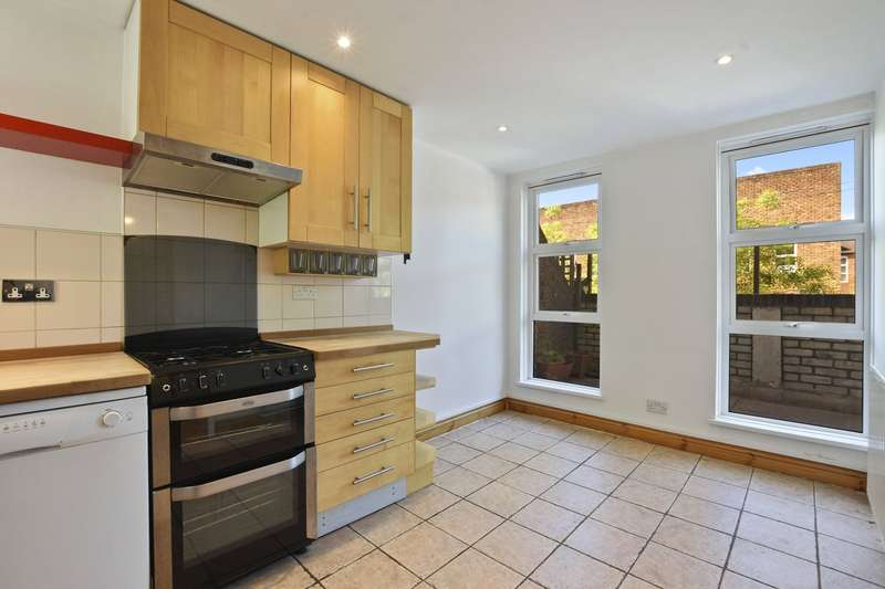 2 Bedrooms Maisonette Flat for sale in Byworth Walk, Archway, N19