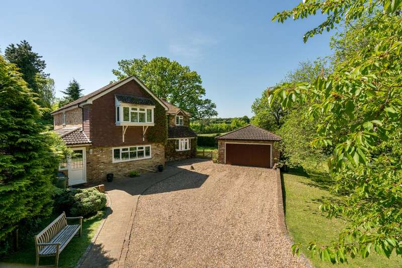 5 Bedrooms Detached House for sale in The Spinney, Berkhamsted HP4