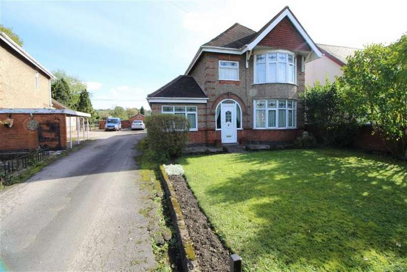 3 Bedrooms Detached House for sale in Derby Road, Lower Kilburn, Derbyshire