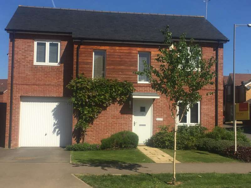 4 Bedrooms Detached House for sale in Pippin Road, Berryfields, HP18