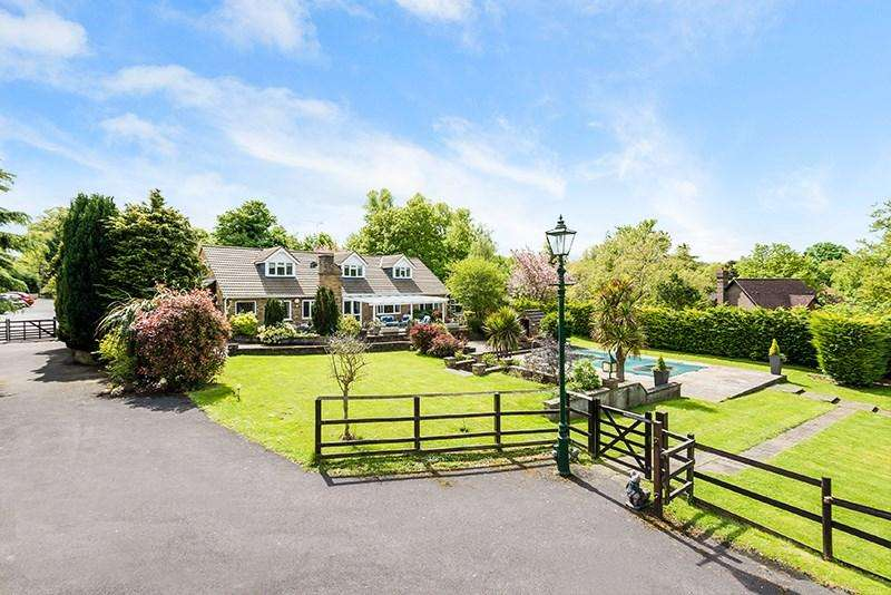 5 Bedrooms Equestrian Facility Character Property for sale in Headley Road, Epsom, KT18
