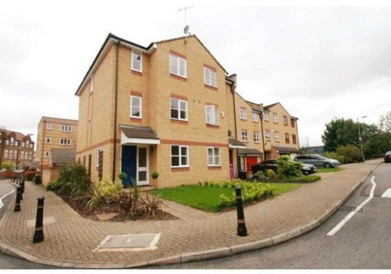3 Bedrooms Terraced House for sale in Mast House Terrace, London