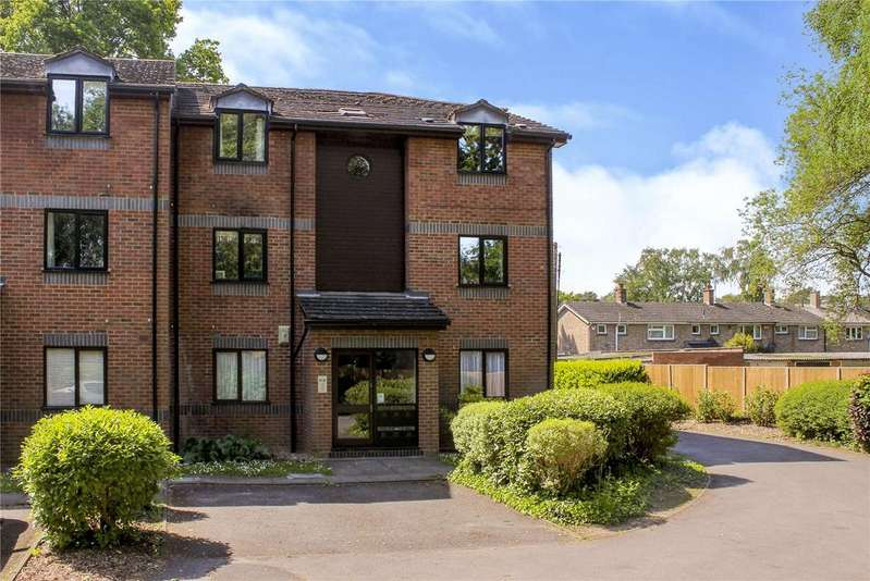 1 Bedroom Apartment Flat for sale in Maple Court, Wayland Close, Bracknell, Berkshire, RG12