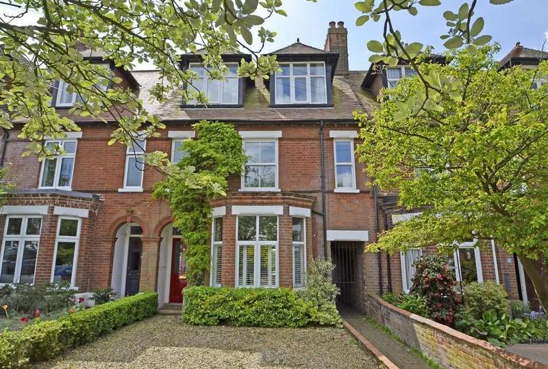 5 Bedrooms Terraced House for sale in Off Ipswich Road, Norwich
