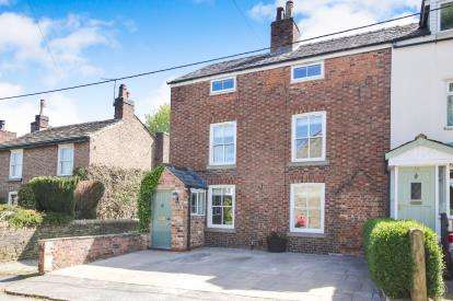 4 Bedrooms Semi Detached House for sale in Bluebell Lane, Macclesfield, Cheshire