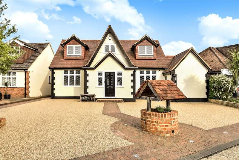 4 Bedrooms Detached House for sale in Keswick Gardens, Ruislip, Middlesex, HA4