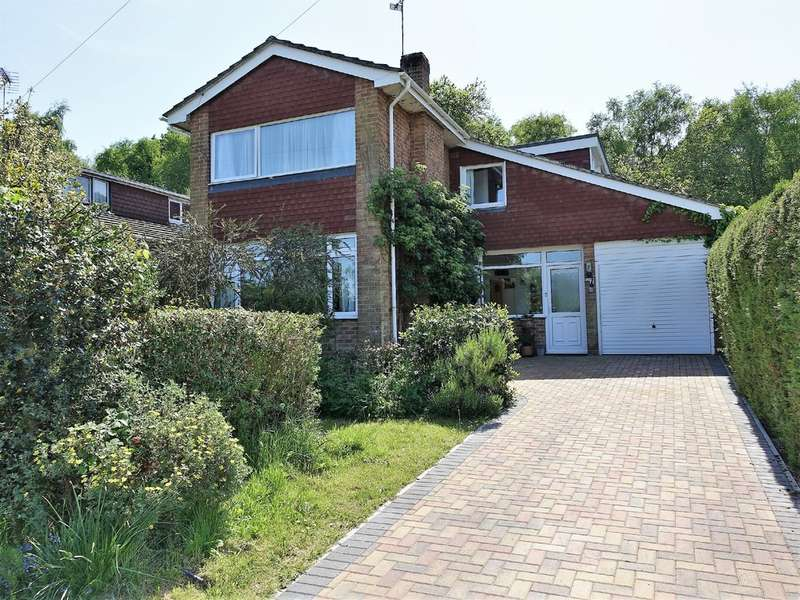 5 Bedrooms Detached House for sale in Curlew Drive, Hythe