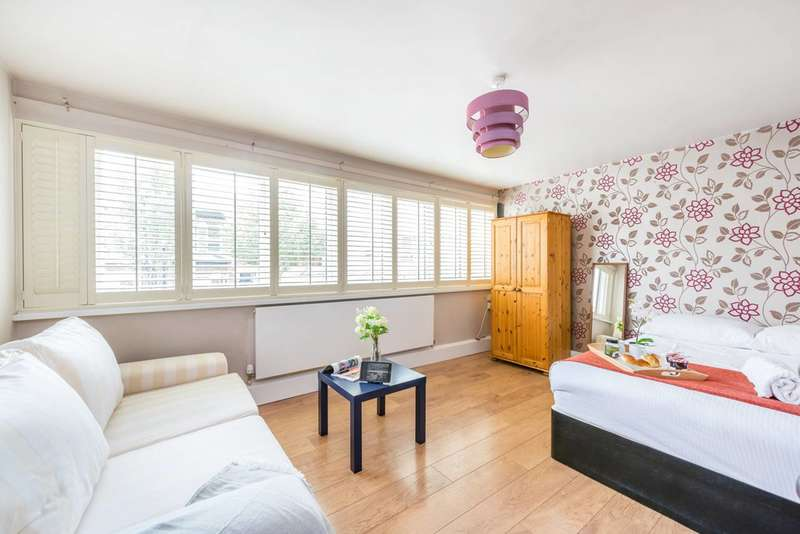 2 Bedrooms Maisonette Flat for sale in Banbury Street, Battersea, SW11