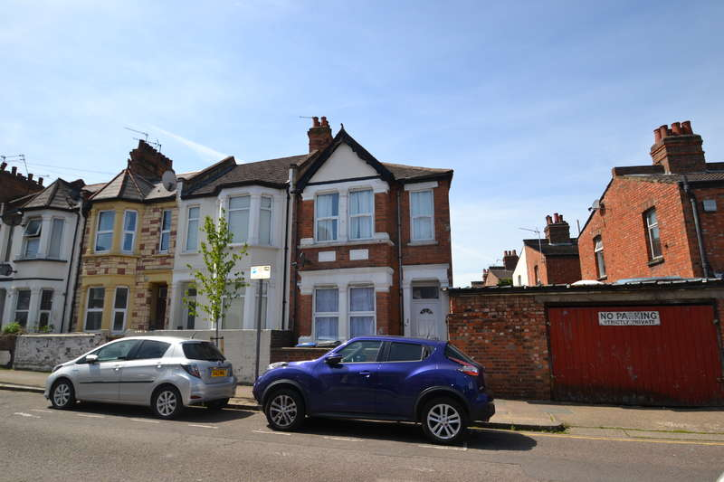 4 Bedrooms End Of Terrace House for sale in Burns Road, Harlesden
