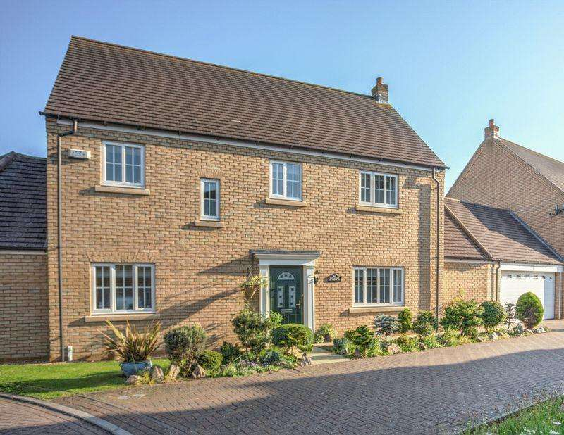 4 Bedrooms Detached House for sale in Alexander Chase, Ely