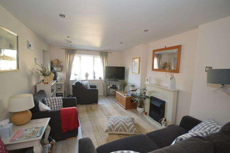 1 Bedroom Ground Flat for sale in Broadfield Avenue, Kingswood, Bristol