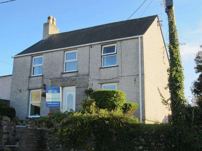 3 Bedrooms Detached House for sale in Penysarn