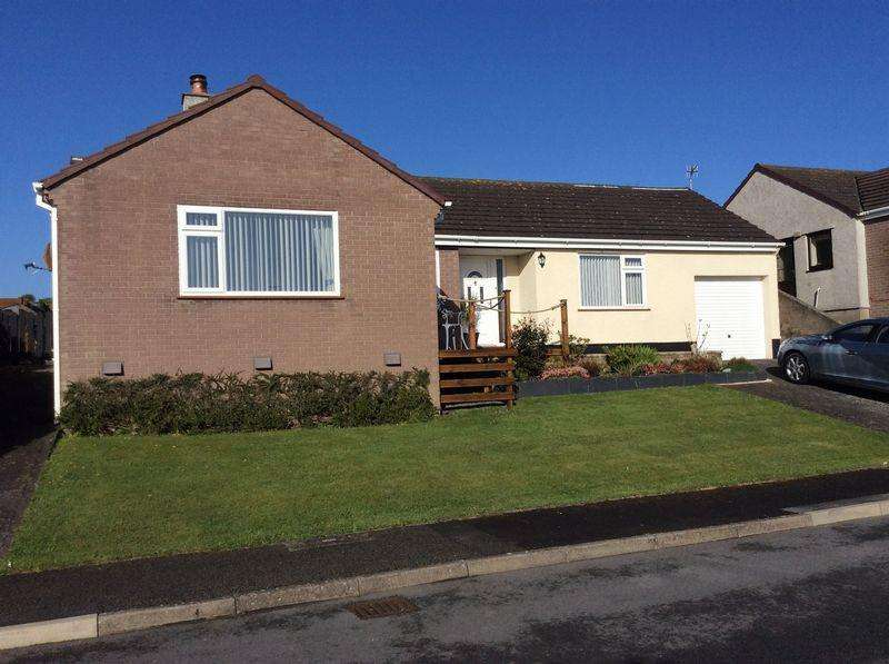 2 Bedrooms Detached Bungalow for sale in Trecastell Parc, Bull Bay