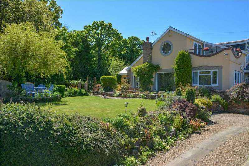 5 Bedrooms Detached House for sale in Isglan Road, Whitford, Holywell, Clwyd