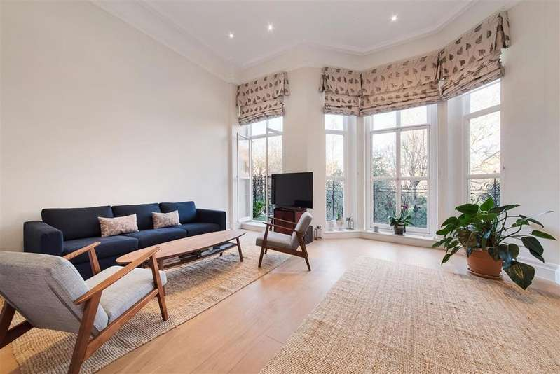 3 Bedrooms Flat for sale in Cadogan Square, SW1X