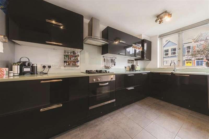 4 Bedrooms Flat for sale in Kilburn Lane, W10