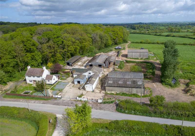 3 Bedrooms Detached House for sale in Eleighwater, Chard, Somerset, TA20