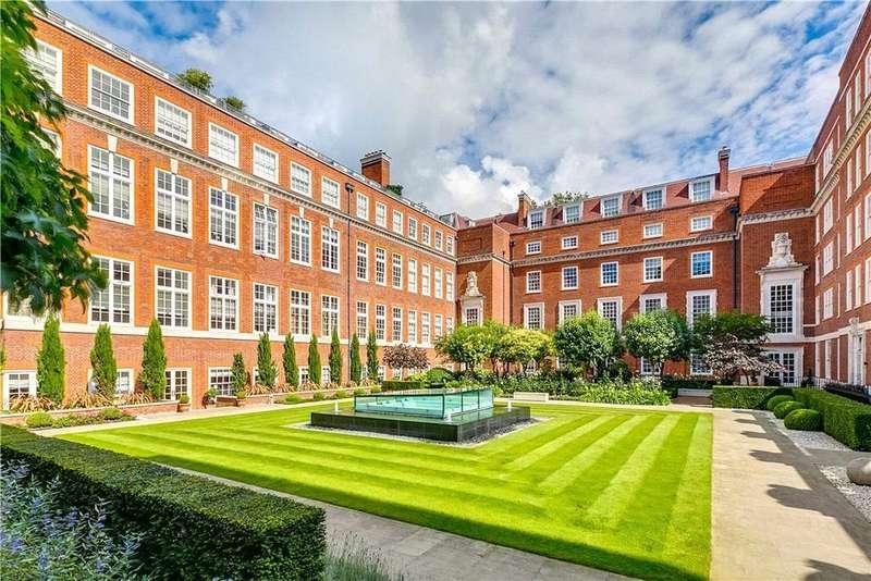 1 Bedroom Flat for sale in Academy Gardens, Duchess of Bedfords Walk, London, W8