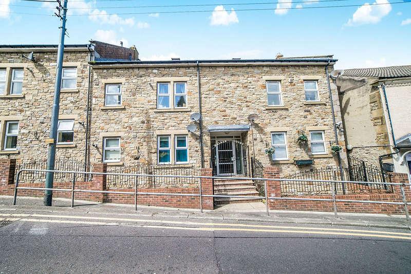 2 Bedrooms Flat for rent in Fellside Road, Whickham, Newcastle Upon Tyne, NE16