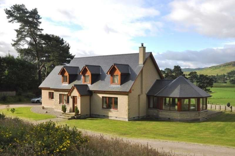 5 Bedrooms Detached House for sale in Newtonmore, PH20