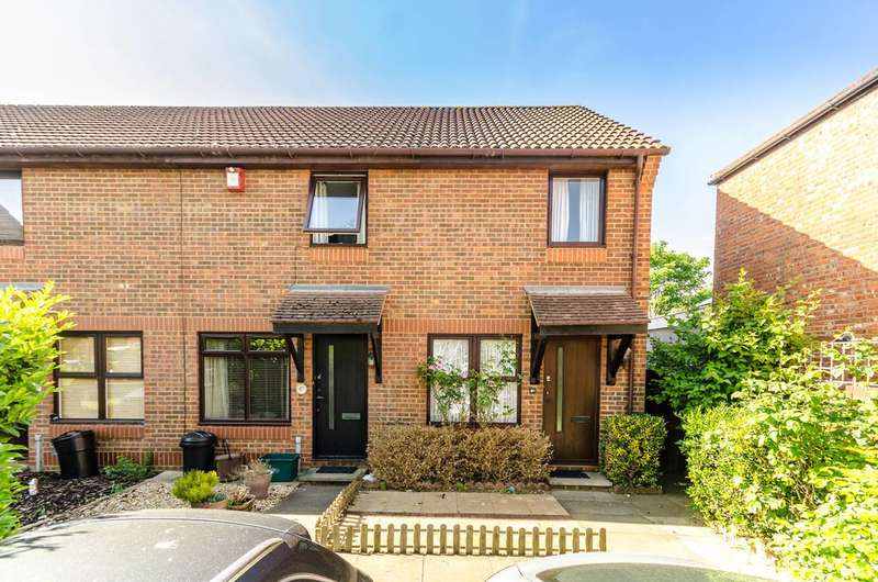 2 Bedrooms Semi Detached House for sale in Courtney Road, Colliers Wood, SW19
