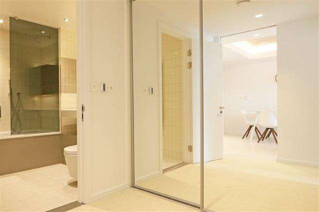 2 Bedrooms Flat for sale in Hoola, Royal Docks, London