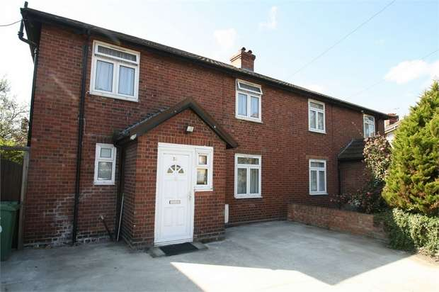 3 Bedrooms Semi Detached House for sale in Gainsborough Road, Stratford, London