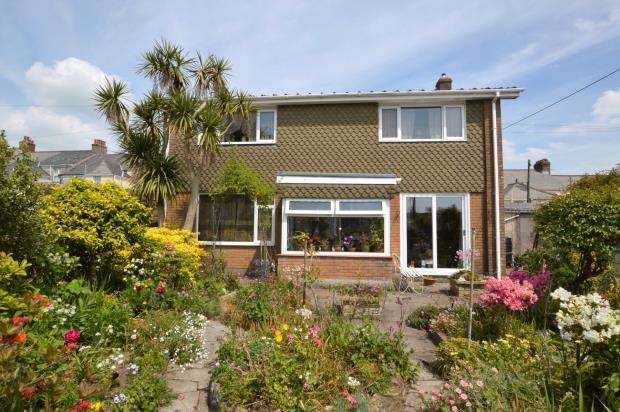 3 Bedrooms Detached House for sale in Essa Road, Saltash, Cornwall