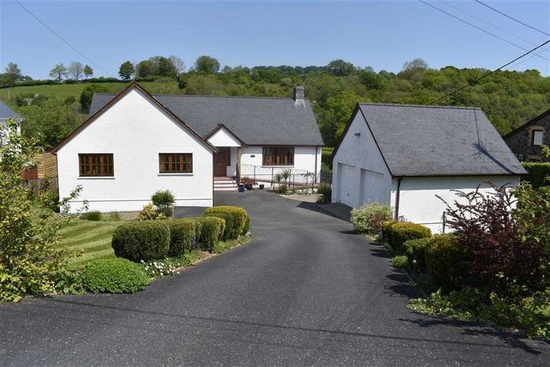 4 Bedrooms Property for sale in Gorrig Road, Pentrellwyn, Llandysul