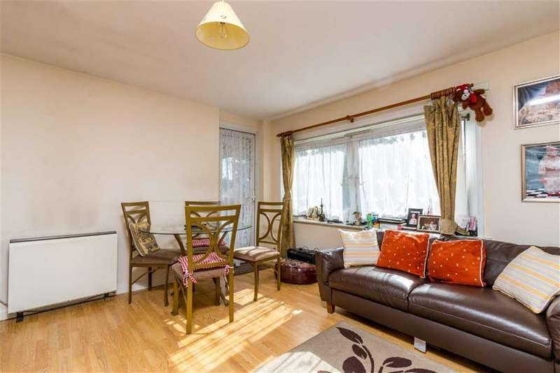 3 Bedrooms Flat for sale in Glenister Street, North Woolwich, London