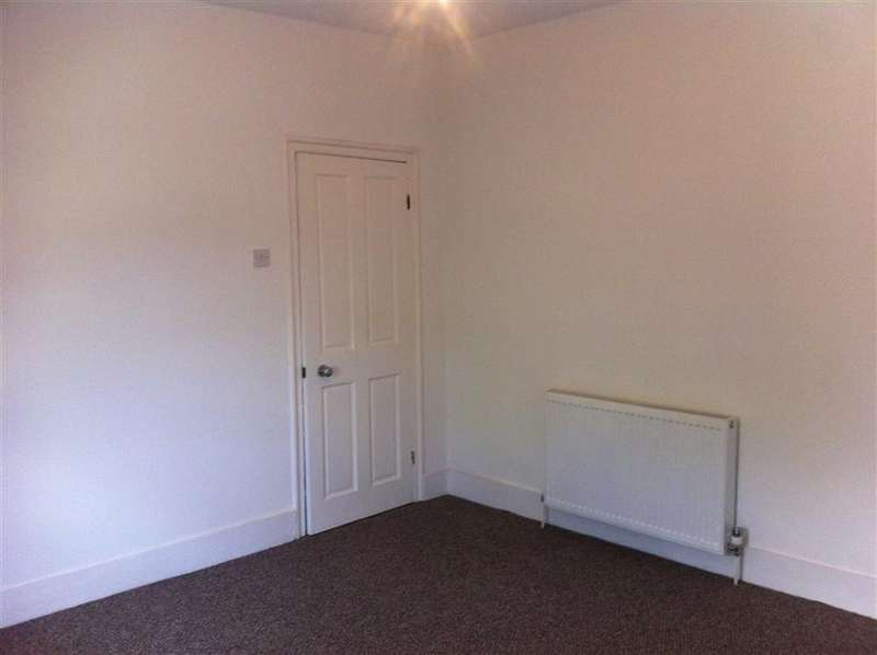 6 Bedrooms House for rent in Atherton Road, Forest Gate