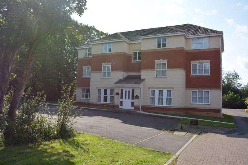 2 Bedrooms Flat for rent in Station Walk, Highbridge