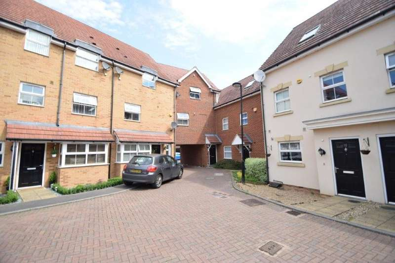 2 Bedrooms Maisonette Flat for sale in Benjamin Lane, Wexham, Slough, SL3