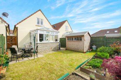 3 Bedrooms Bungalow for sale in Blakeney Mills, Yate, Bristol