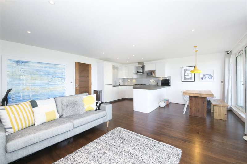 2 Bedrooms Flat for sale in St David's Apartments, Lough Road, N7
