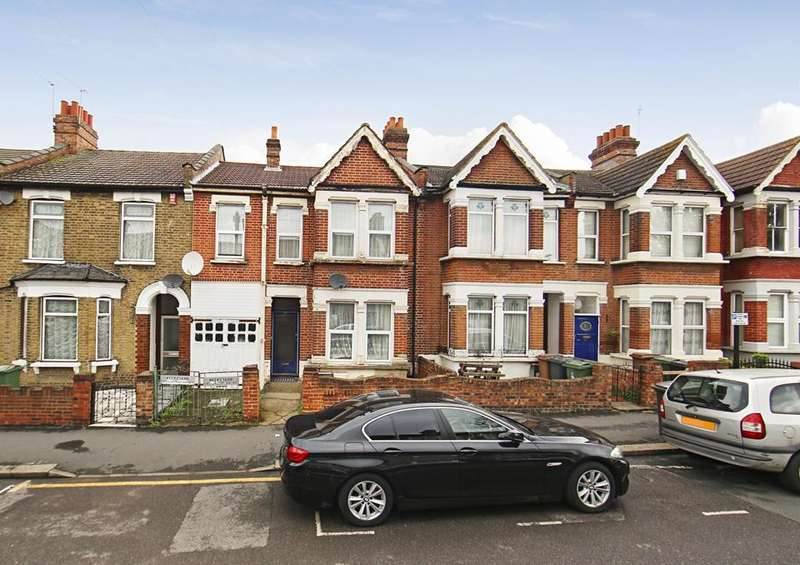 2 Bedrooms Flat for sale in Canterbury Road, London E10