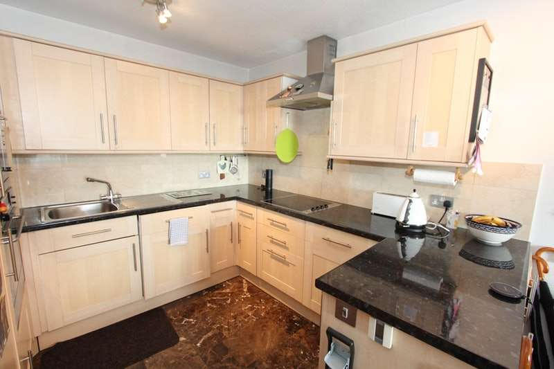 1 Bedroom Flat for sale in Bramlands Close, London, London, SW11