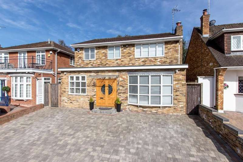 4 Bedrooms Detached House for sale in Bellmount Wood Avenue, Cassiobury