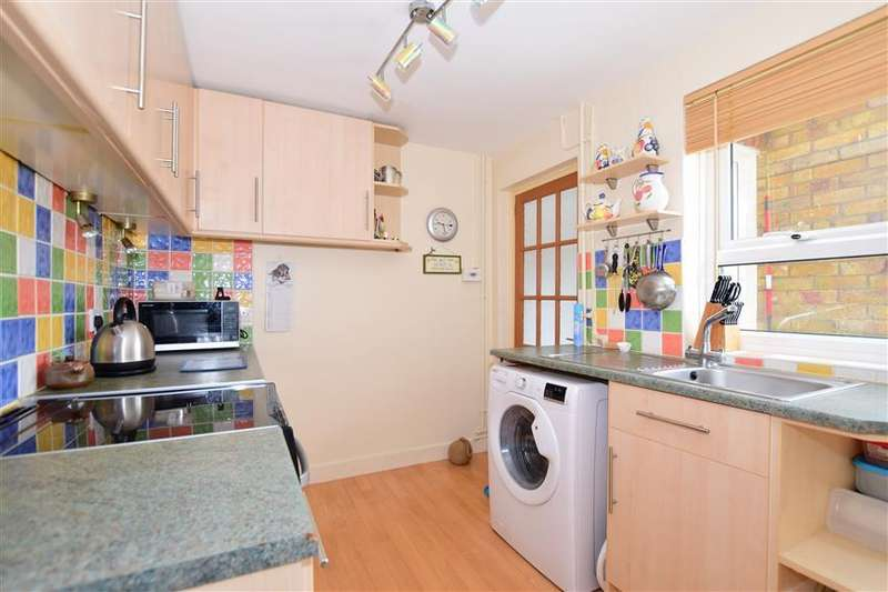 3 Bedrooms Semi Detached House for sale in The Street, Oare, Faversham, Kent