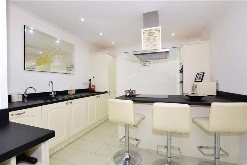 5 Bedrooms Detached House for sale in Chestfield Road, Chestfield, Whitstable, Kent