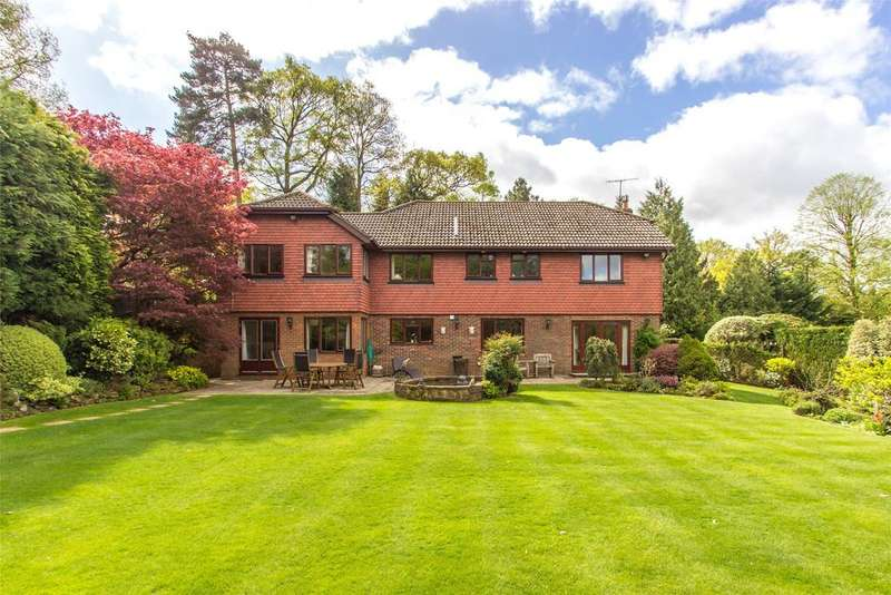 5 Bedrooms Detached House for sale in Uvedale Road, Oxted, Surrey, RH8