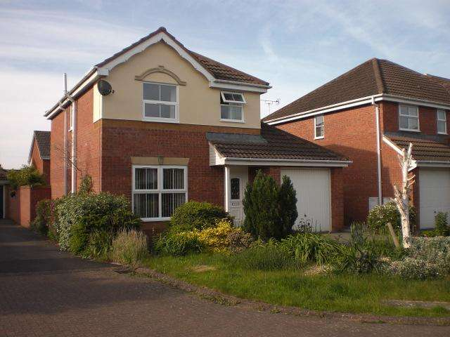 3 Bedrooms Detached House for rent in Stokehil , Hilperton, Trowbridge BA14