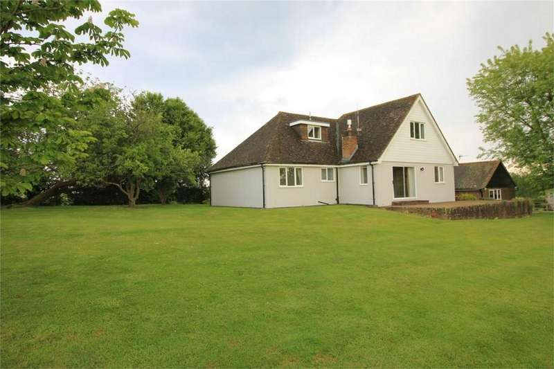 4 Bedrooms Chalet House for sale in Top Road, HOOE, East Sussex