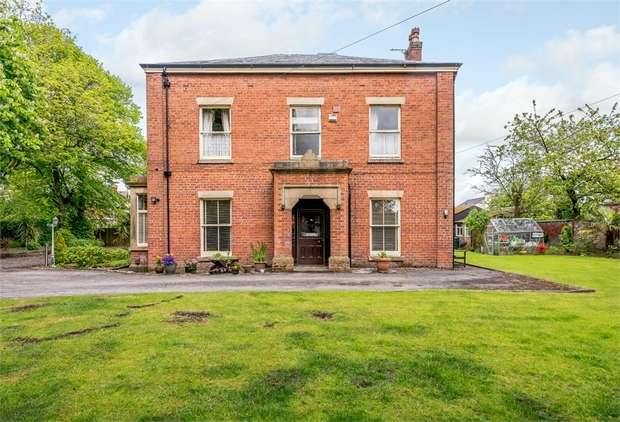 6 Bedrooms Detached House for sale in Watling Street Road, Fulwood, Preston, Lancashire