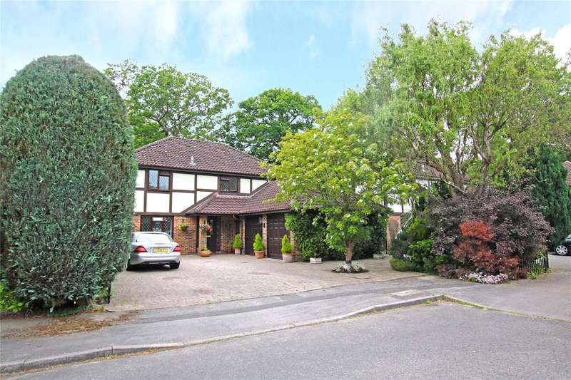 4 Bedrooms Detached House for sale in Fairwater Drive, New Haw, Addlestone, Surrey, KT15