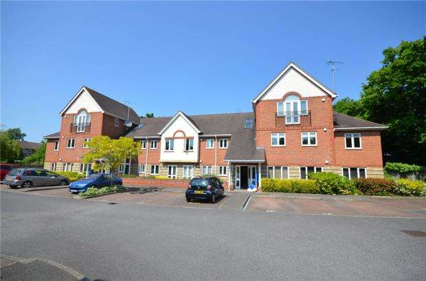 2 Bedrooms Apartment Flat for sale in Gray Place, Wokingham Road, Bracknell